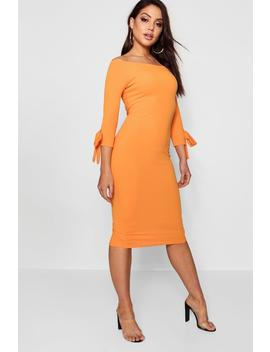 Off The Shoulder Contrast Bow Midi Dress by Boohoo