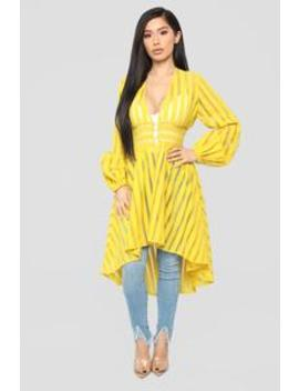 Te Quiero High Low Top   Mustard by Fashion Nova