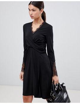 Y.A.S – Tallulah – Kleid Mit Gewickelter Vorderseite by Asos