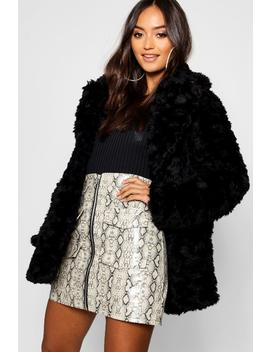 Petite Textured Luxe Faux Fur Coat by Boohoo