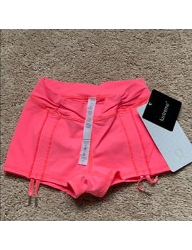 Lululemon Some Like It Hot Shorts Size 2 NewNwt by Lululemon Athletica