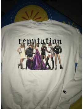 Taylor Swift White Pullover Reputation Sweatshirt Brand New Size Medium by Champion