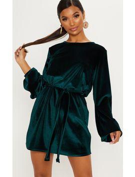 Emerald Green Velvet Oversized Long Sleeve Tie Waist Dress by Prettylittlething