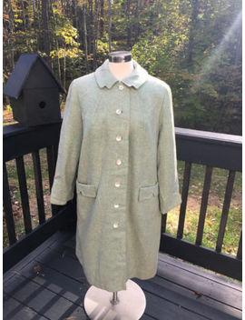 Vintage 1960s Women Seafoam Tweed Wool Mop Button Front Coat Jacket L/Large by Handmade