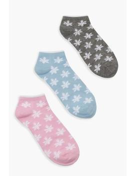 Snowflake Socks 3 Pack by Boohoo