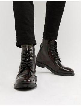 Asos Design – Vinröda Brogue Boots I Skinn Med Snörning Och Ribbad Sula by Asos