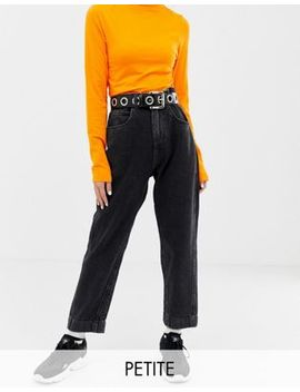 Collusion   Petite   Mom Jeans In Zwart Met Wassing by Asos