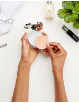 Clinique – Stay Matte Universal Blotting Powder by Asos