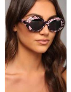 Retro Chic Sunglasses   Floral by Fashion Nova