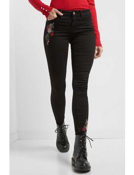 Jeans Mit Blumenstickerei by Orsay