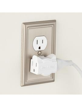 Hug A Plug Outlet Extender Pkg by Container Store