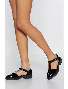 Head T The Bar Flat Shoe by Nasty Gal