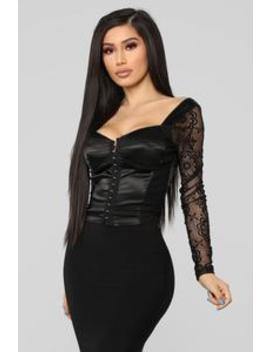 Bad Girl Vibes Crop Top   Black by Fashion Nova
