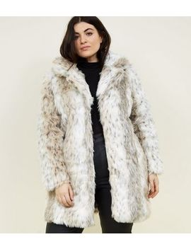Blue Vanilla Curves White Faux Fur Coat by New Look
