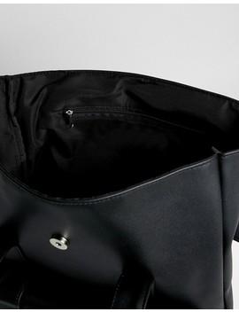 Asos Design   Zaino In Pelle Sintetica Con Tasca Sul Davanti Con Doppio Cinturino by Asos