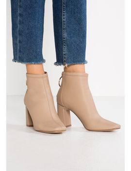 Caramel   Ankelboots by New Look