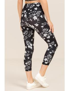 Gracen Tropical Floral Legging by Francesca's