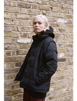 Puffer Jacket In Black With Woven Label Detailing by Dream But Do Not Sleep