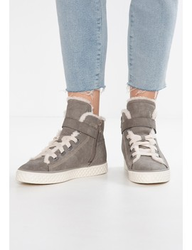 Indya Tape Vegan   High Top Trainers by Esprit