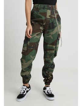 Camo Trouser With Chain   Stoffhose by Missguided Petite