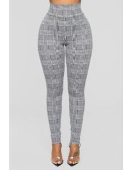 What A Houndstooth Print Leggings   Black/White by Fashion Nova