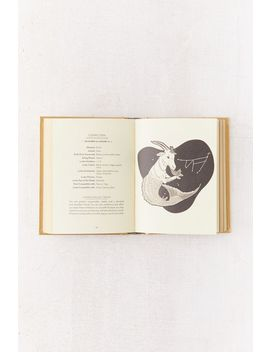The Golden Book Of Fortune Telling Par K.C. Jones by Urban Outfitters