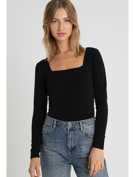 Square Neck Crop   Langærmede T Shirts by Forever New