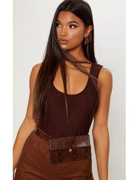 Chocolate Slinky Scoop Back Bodysuit by Prettylittlething