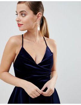 Asos Design Petite   Robe Mi Longue De Bal De Promo Coupe Cache Cœur Avec Bretelles Fines En Velours Non Tissé by Asos Design