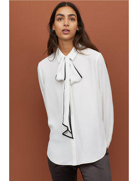 Crêpe Blouse With Ties by H&M