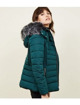 Dark Green Faux Fur Trim Hooded Puffer Jacket by New Look