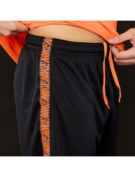Nike Dri Fit Squad Shorts   Schwarz/Cone by Pro Direct Soccer