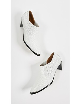 Baler Booties by Joie