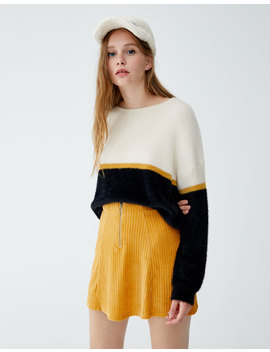 Pullover Aus Kunstfell Mit Colour Block by Pull & Bear