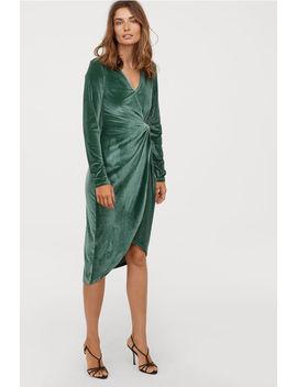 Priliehavé Velúrové šaty by H&M