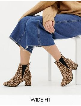 New Look Wide Fit Chelsea Block Heel Boot In Leopard by New Look