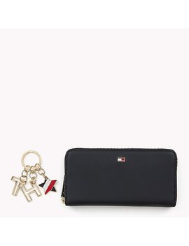 Leather Wallet And Keyfob Gift Set by Tommy Hilfiger