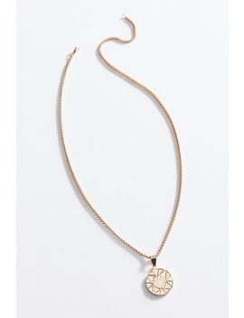 Laurel Chunky Pendant Necklace by Urban Outfitters