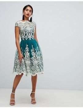 Chi Chi London   Premium   Smaragdfärgad Balklänning I Midiklänning Med Spets Och Metallic Inslag by Asos