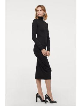Jerseykleid Mit Rollkragen by H&M