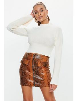 Gerippter Crop Pullover Mit Trompetenärmeln In Weiß by Missguided