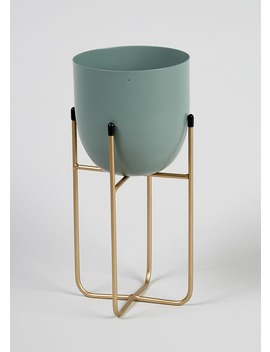 Metal Planter (30cm X 13cm X 13cm) by Matalan