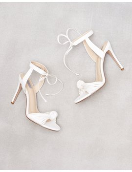 Knot Vintage Heel by Nly Shoes