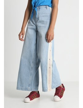 Popper Wide Leg   Relaxed Fit Jeans by Topshop