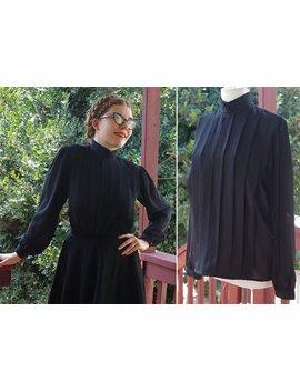 Rabe 1980 Vintage Solid Black Shell Bluse W / Falten Vorne + Zurück Buttons / / Von Studio B / / Größe Medium by Etsy
