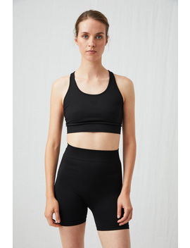 seamless-yoga-shorts by arket