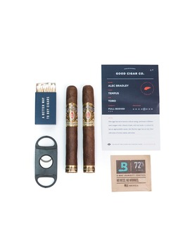 2 Pack Of Cigars   Classic (Mild) by Huckberry