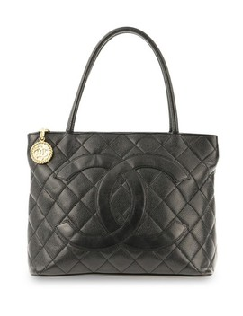 Médallion Caviar Black Leather Tote by Chanel