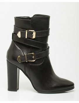 Italian Designed Leather Ankle Boot by Le Chateau
