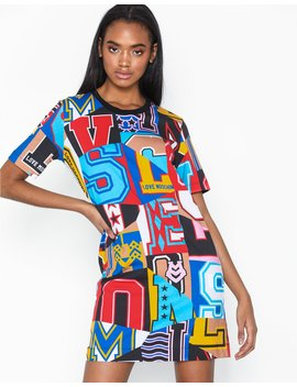 W5 A0200 M4009 by Love Moschino